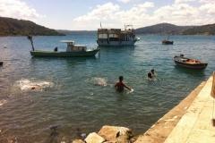 Enfants se baignant dans le Bosphore, Anadolu Kavaği, Turquie